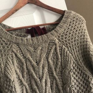 The Limited Light brown 3/4 sweater with bow